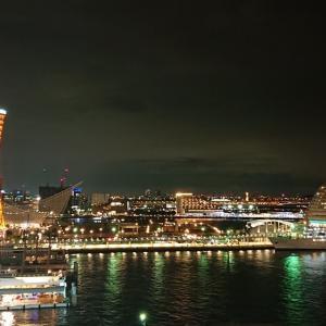 神戸ポートタワー、リニューアル前ラストライトアップ:兵庫・神戸市中央区