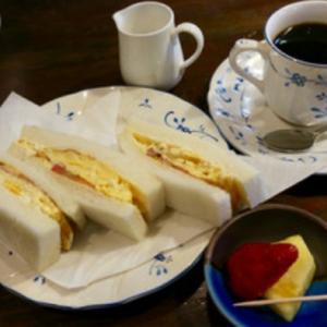 神戸でワンコインモーニング ふわふわハーフサンド付き『カフェバールこうべっこ』