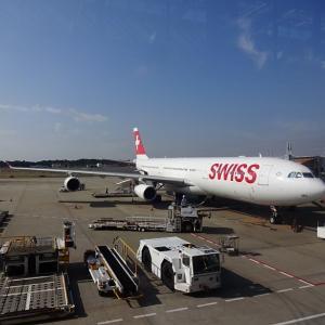 スイス・エア ビジネスクラスの機内~ちょっと古いけど広々快適、そして心温か♪~