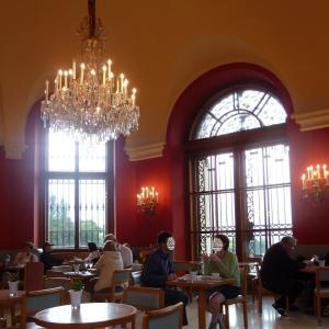 ウィーンのベルヴェデーレ宮殿でお茶を♪