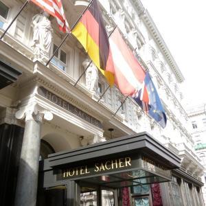 ホテルザッハーでウィーン満喫のランチ♪~ウィーナー・シュニッツェル~