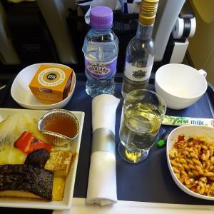 ブリティッシュ・エアウェイズ プレミアムエコノミーの機内食~ロンドンヒースローから羽田まで~