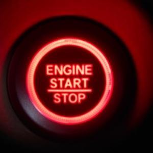 車のエンジンがかからない原因はバッテリーではなかった。