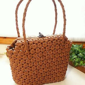 花結び編みのバッグ