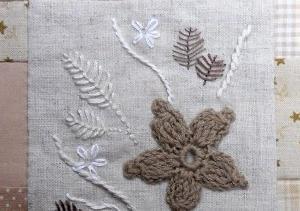 かぎ針モチーフとフランス刺繍