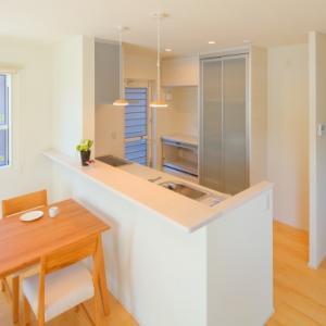 キッチンの床張り替えはどの床材が良いのか?後悔しない床材選びとは