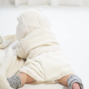 赤ちゃんがハイハイしない…ハイハイする時期はいつ?しない原因は?