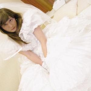 女装妻にウエディングドレスを着せてNTR