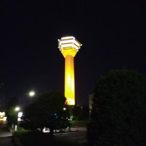 オレンジ色の五稜郭タワー