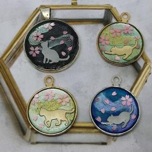 《桜編》キャンドゥの【猫シルエット】のデコパーツが可愛い❤️プチプラアイテムでレジンを楽しむ🎵
