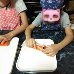 【子ども】チョッパーでみじん切りをお手伝い🎵美味しいオムライスができました✨【料理】