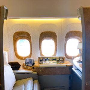 やった~念願のエミレーツ航空ファーストクラス無料の旅|JALマイルで!