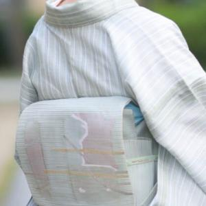 夏すかし織のきものに同系色の夏帯のなごや帯を合わせました・・・
