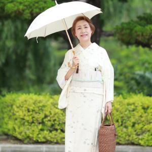 日傘は白or黒か・・・