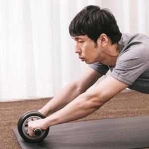 腹筋ローラーの効果&おすすめ5選!筋トレ初心者は1つは持っておくといいです