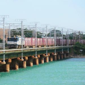第3浜名橋梁の3075レ EF64-1042   2020.10.24