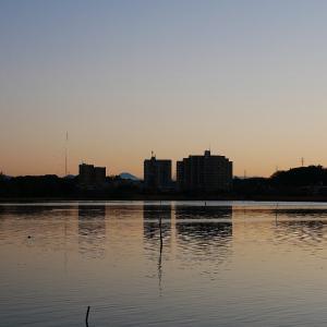 1月18日の佐鳴湖畔 日の出前