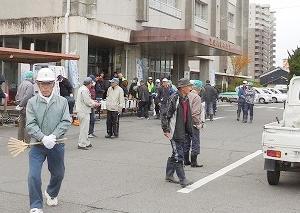 年末官庁街清掃奉仕作業に参加してきました。