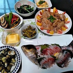 地元産イサキと真アジのお刺身と豚の生姜焼きと夏野菜カレー♪♪・・・包丁のプレゼントは、刃物屋ドットコムにお任せ下さい!!