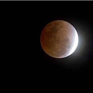 【月の暦:旧暦10月1日】10月28日12時38分は、蠍座の新月