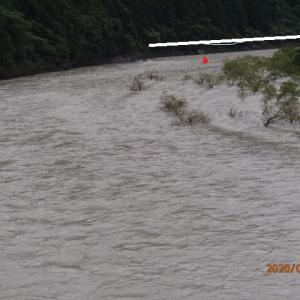大千瀬川は綺麗な水の流れでした