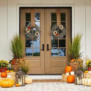 秋!玄関まわりの外の飾り付けもお洒落にこだわりたい奥様へ!