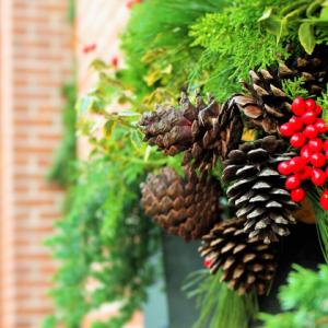 アメリカのクリスマスに欠かせないガーランドのおしゃれな飾り付け方!