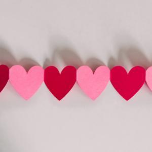 バレンタインデーのクラフト!子供と一緒にできる手作りアイディア
