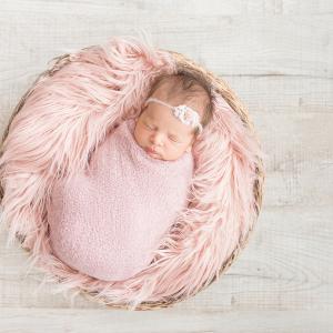 ニューボンフォトで赤ちゃんをぐるぐる巻にしない理由