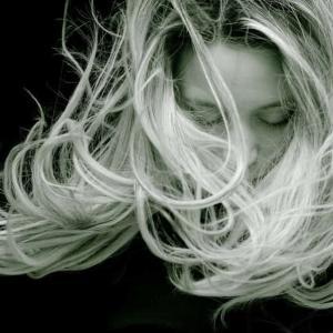 加齢と女性の抜け毛