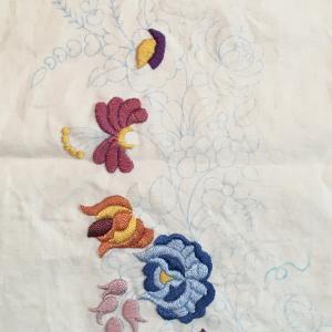 刺繍講座の課題とクロスステッチの本