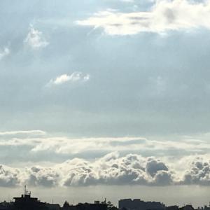 再び海の上の雲    なう