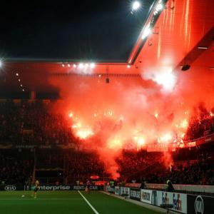 【フェイエノールト】UEFAはサポーターの不正行為に対して罰する