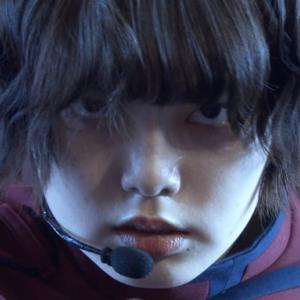 """欅坂46""""不協和音""""2年ぶりテレビ披露!平手友梨奈の狂気的な笑みと悲痛な叫び。ファンが思ったこと!感想!Twitterまとめ。"""