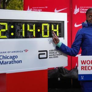 女子マラソン世界記録更新から見えるもの