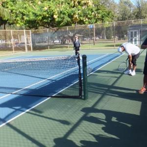 盛況のテニスコート