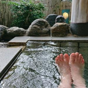 秘湯の会の宿「鷹の巣館」。30分の激坂プチ登山の後に極上の湯を楽しむ