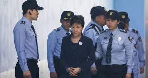終わりの始まり、韓国文政権、内堀まで埋められる