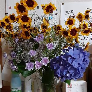 花を花瓶に