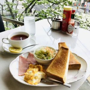 書籍ろ文具のカネイリ のカフェ。モーニングと名物玉子サンド(テイクアウト)