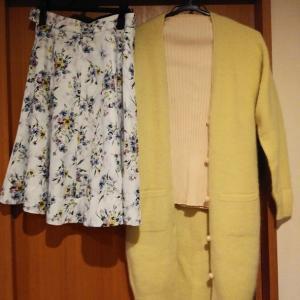 コーデ:アプワイザーリッシェ ロングカーデ×花柄スカート