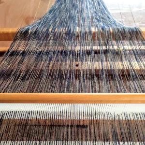ストールを織り始めた