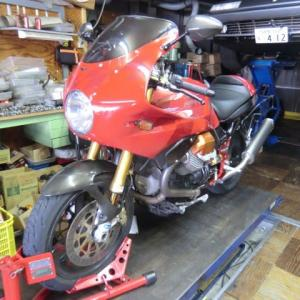 MOTO GUZZI(モトグッチ) V11 Rosso Corsa が遠方(関西)よりメンテナンスで入庫
