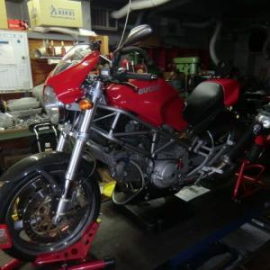 DUCATI (ドゥカティ) MONSTER 400s が車検・メンテナンスで入庫