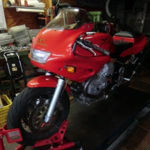 MOTO GUZZI (モトグッチ) 1100 SPORT Carb が カスタム(GHEZZI & BRIAN キット)で入庫