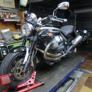 MOTO GUZZI (モトグッチ) Griso がエンジン不動で レッカー入庫