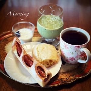 朝食・・・こんな感じです。