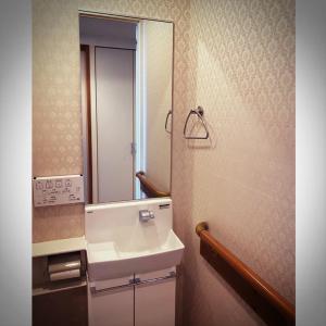 トイレの洗面台・・・交換完了!