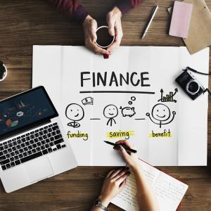 【悲報】マイナス金利の影響で銀行が口座手数料を導入したら我々の預金はどこに置くべきか