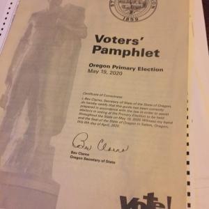 アメリカのメール投票:オレゴンの投票用紙をお見せしよう